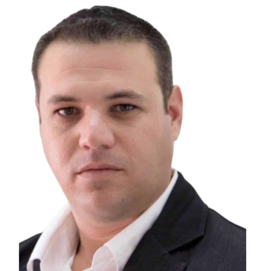 """עידן קורנפלד - מנהל אזור אילת והערבה רשת ברוקר נדל""""ן"""